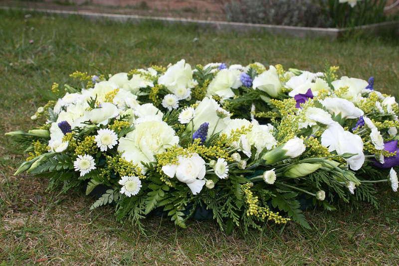 jaki napis na wieńcu pogrzebowym