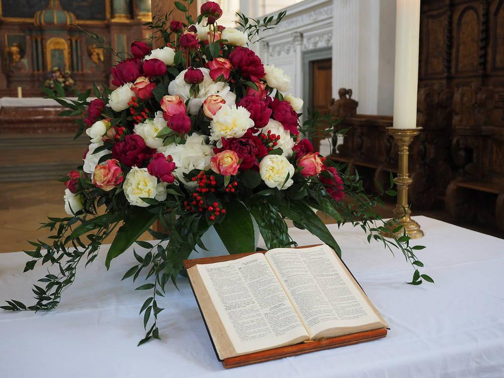 Jakie kwiaty do kościoła